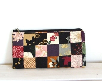 Flat  zipper pouch  - chequered cats