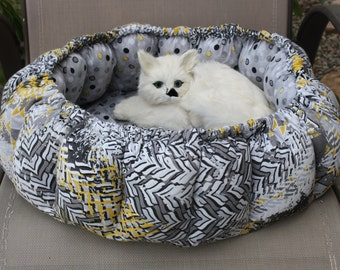 Round Cat Bed, Cat Bed, Small Dog Bed, Fabric Cat Bed, Dog Bed, Handmade Cat Bed, Bed For Cats, Pet Bed, Designer Pet Bed, Pet Accessories