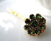 Vert Etincelant Hairpin - vintage repurposed green rhinstone 'gem' cluster on gold hairpin - Bridal - Prom - Free Shipping to USA