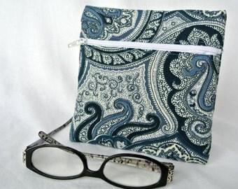 Blue Purse Organizer , Zipper Pouch , Money Pouch , Makeup Bag , Ladies Wallet , Small Clutch , Blue Cotton Damask , Travel Pouch