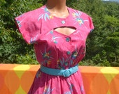 vintage 70s hawaiian dress aloha KEYHOLE belt floral pink 80s Medium Small 10 impromptu