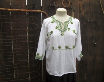 White Mexican Blouse 70s vintage hippie Top Green embroidery peasant blouse floral embroidery shirt S M