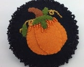 Felt pumpkin brooch/pin