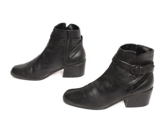 size 10 CHELSEA black leather 80s 90s BUCKLE high heel zip up BOHEMIAN ankle boots