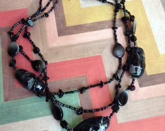 Betty pebbles flat pieces marble black white clean fall summer spring layered layer cluster beaded necklace silver iggy