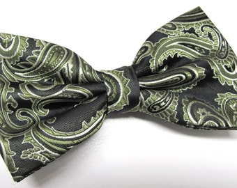 Mens Bowtie. Green and Black Paisley Bowtie With Matching Pocket Square Option