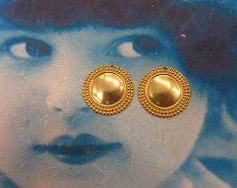 Natural Raw Brass 22mm Round Ornamental Stampings  213RAW x2