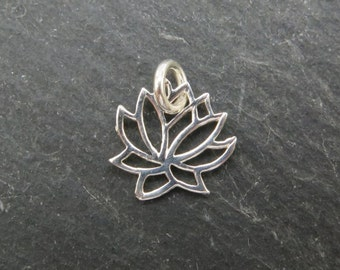 Sterling Silver Lotus Flower Charm 9mm (CG7413)