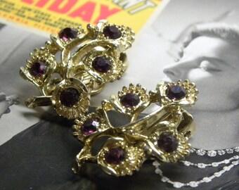 Pretty Vintage D&E aka JULIANA EARRINGS Goldtone Floral Amethyst Rhinestone Flower Spray  Clip On Mint!!!