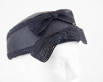CLEO ROMAGNOLI Italian VINTAGE Navy Blue pillbox hat w/ 2 bows