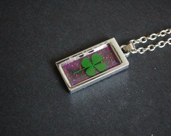 four leaf clover glitter necklace
