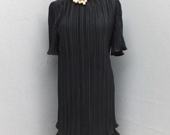 Vintage 1980s Lola's Closet, Little Black Dress, Cocktail or Dinner Dress, Pleated Skirt, Flouncy, Size 6