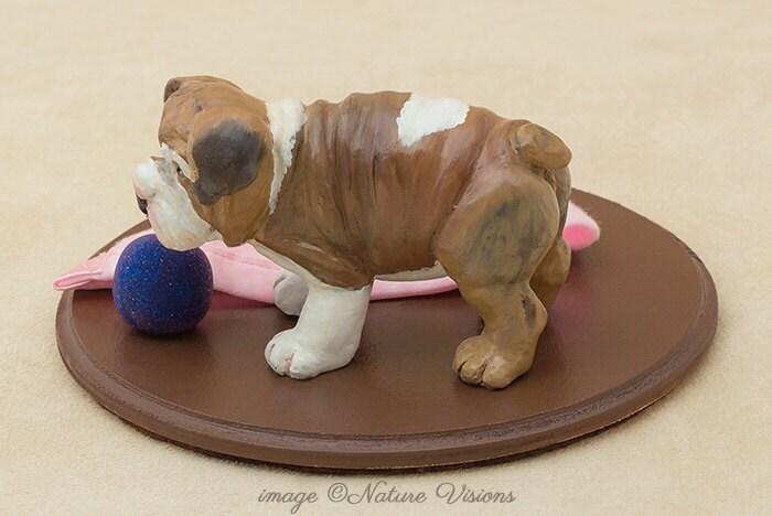 bulldog anglais statue sculpture en argile par naturevisions. Black Bedroom Furniture Sets. Home Design Ideas