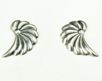Leaf or wing stamping, right and left facing 13169