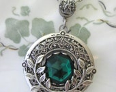 Emerald Isle LOCKET, Silver Locket Necklace, Antique Lockets, Emerald Green, Enchanted Forest, Leaf Jewelry, Green Necklace, Weddings, Irish