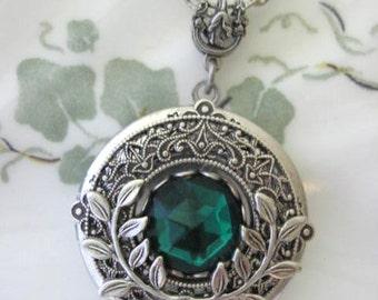 Leaf Necklace, Leaf Locket, Silver Locket Necklace, Antique Lockets, Emerald Isle, Botanical Jewelry, Leaf Jewelry, Woodsy Weddings