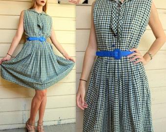 Vintage 50s Plaid NEW LOOK UNIFORM/Dress w/Nautical Collar -- sz Medium