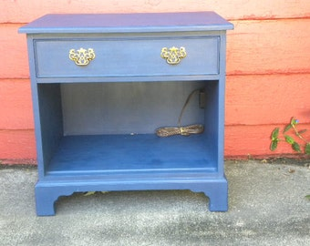 Vintage Hand Painted Henredon Side Table Night Stand