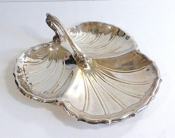 Vintage Large Silverplate Relish Condiment Ray With Decorative  Handle, Scallop Leaf Shape  Silver Anniversary Wedding Downton Abbey