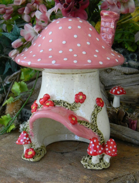 Ceramic Mushroom Fairy Toad House Red Amanita Mushrooms
