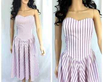 Vintage White and Purple Striped Dress. Cotton Summer Strapless Dress. Sweetheart Cut. Small. Medium. 1980s. Smocked Back. Under 30
