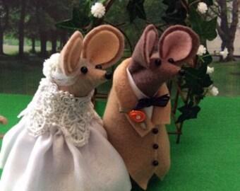 Bride and Groom Felt Mice Wedding Cake Topper