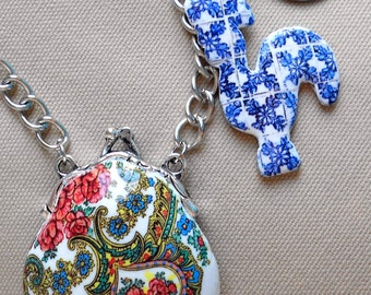 Portugal Viana PURSE LOCKET Necklace with Antique Azulejo Tile Replica Rooster from Águeda (see facade photo) 1952 Centavo Coin