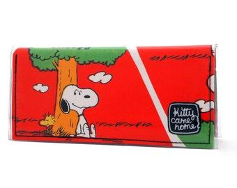 Bi-fold Clutch - Snoopy and Woodstock vintage Peanuts fabric