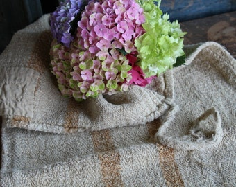 Nr. A51:  antique handloomed GOLDEN CARAMELL ; 17.72 wide; rural and rustic grain sack for pillows cushions runners