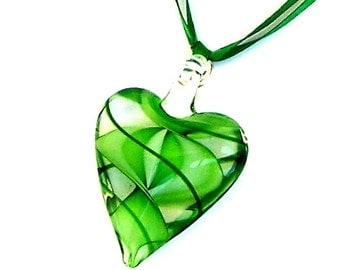 Green heart necklace, holiday gift for her, Murano style glass, green glass necklace, green swirl, Valentine necklace