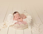 Crocheted Basket - Round - Cream/Natural Color - Newborn Sitter Photography Prop