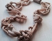 Soft Knotted Neclace - Nude