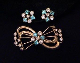 Vintage TRU-KAY Aqua Blue Rhinestone 12k GF Pendant Brooch & Screw Back Earrings Set