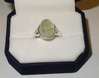 Vintage Sterling Silver and Prehnite Ring Size 6 1/2