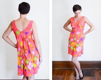 1960s /early 1970s Hot Pink Hawaiian Mini Dress with Train - S