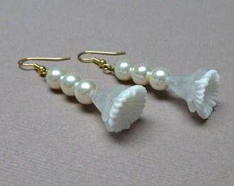 Vintage Glass Pleated Flower Earrings. Glass Pearl. Hypoallergenic. Long Drop Earrings. Wedding. Nature. Garden. Handmade Jewelry.