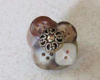 Vintage Button Brooch, Handmade, 1 1/2 in Across, Excellent Condition