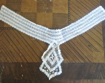1900s Antique Lace High Collar Bobbin Type 14 Inch Neck