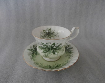 Teacup & Sauser Lilly of the Valley ~ Royal Albert Melody  Series - Bone China England - Tea Cup and Saucer