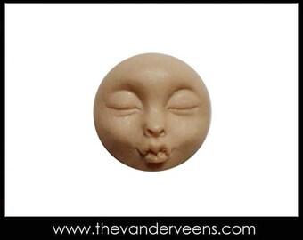 Mold No.180 (Tiny Full moon face-kissing) by Veronica Jeong