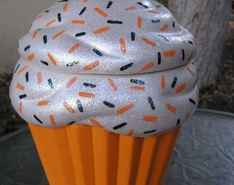 FREEEEEEEEE SHIPPING Halloween Sprinkles Cupcake Jar