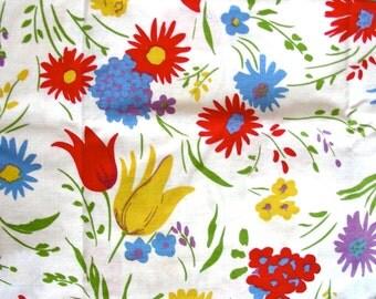 Vintage Feedsack  Flour Sack Cotton  Fabric - Glorious Flower Garden on White Background   -  35 x 40