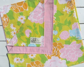 Reversible Baby Blanket with Vintage Floral Print