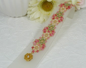 Woven Flower Bracelet in Peach and Green