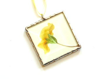 Flower ornament, bright yellow stained glass ornament, Spring home decor, hostess gift, gardener gift under 20, yellow flower
