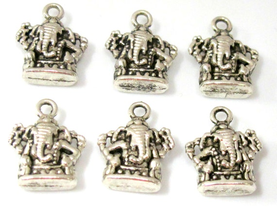 5 pieces-  Reversible silver tone Ganesha charm pendants 16 mm x 13 mm - CM109