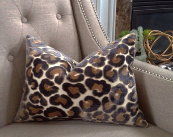 "Kravet ""Hunt is on"" animal print pillow cover - 12""x16"" - Pattern on the front"