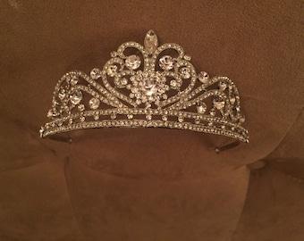 Magnificent Rhinestone Bridal Tiara Crown
