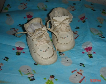 Vintage Soft Off White Leather Baby Shoes - Sweet