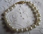 Vintage Gold Tone Clasp Faux Pearl Bracelet